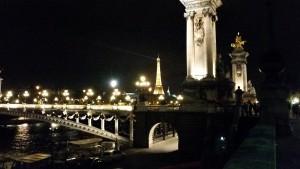 Paris am 28.11. um halb neun.
